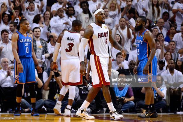 """""""El Rey"""" en la final de la NBA 2012 vs OKC. Vía:Getty Images"""