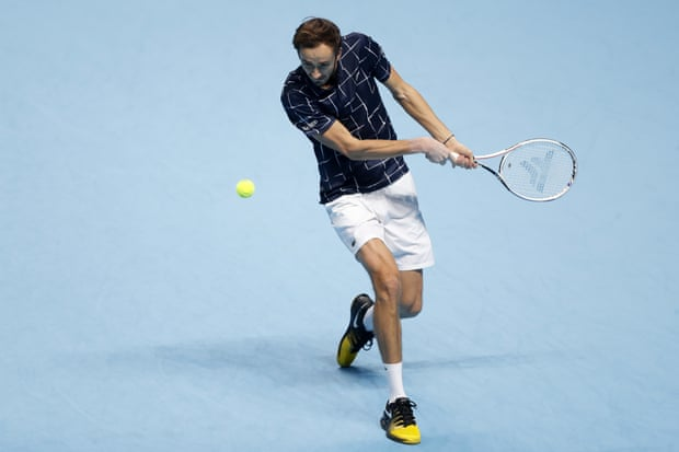Medvedev hits a return to Nadal during their semifinal match in London/Photo: Frank Augstein/Associated Press