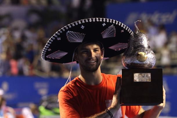 Dimitrov con el título de campeón en Acapulco | Foto: ATP World Tour