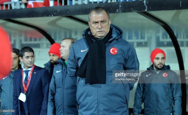 Fatih Terim é o chefe das tropas turcas