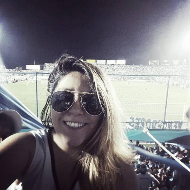 'Guany' Guanuco;fanática de Atlético Tucumán, tiene 27años, trabajay vive en Villa 9 de Julio.