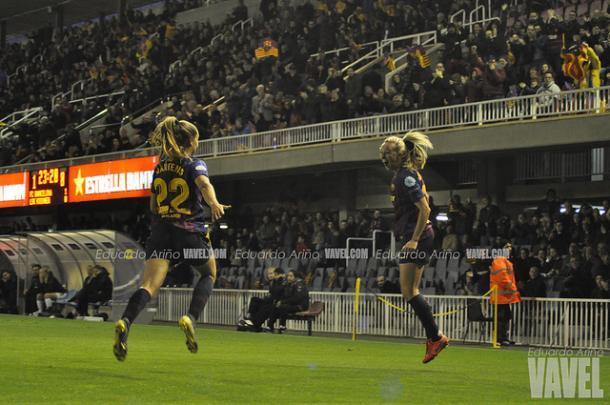 Toni Duggan celebra uno de sus dos tantos. FOTO: Eduardo Ariño