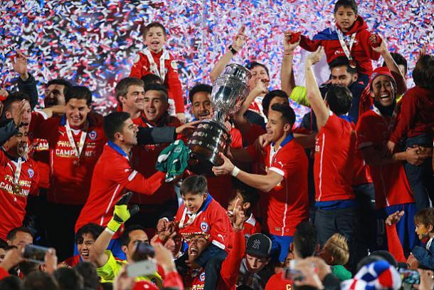 O auge da melhor geração chilena foi na conquista da Copa América de 2015 (Foto: Getty Images)