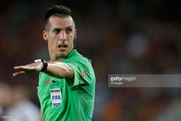 Javier Estrada, el árbitro más experimentado (Foto: Getty Images)