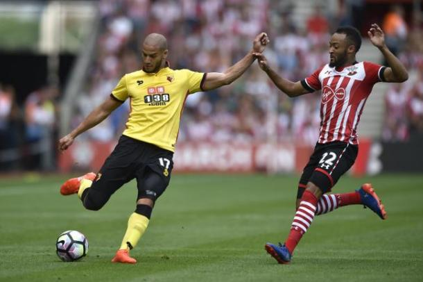 Guedioura looks to get the Hornets going forward. | Photo: Action Images