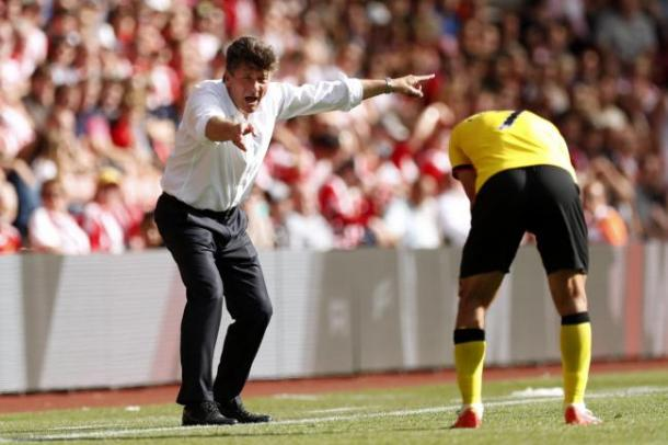 Mazzarri giving out orders from the touchline. | Photo: Action Images