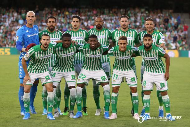 Foto de grupo antes del Betis - Valladolid | Fotografía: Manuel Jesús Pérez (Onda Bética)