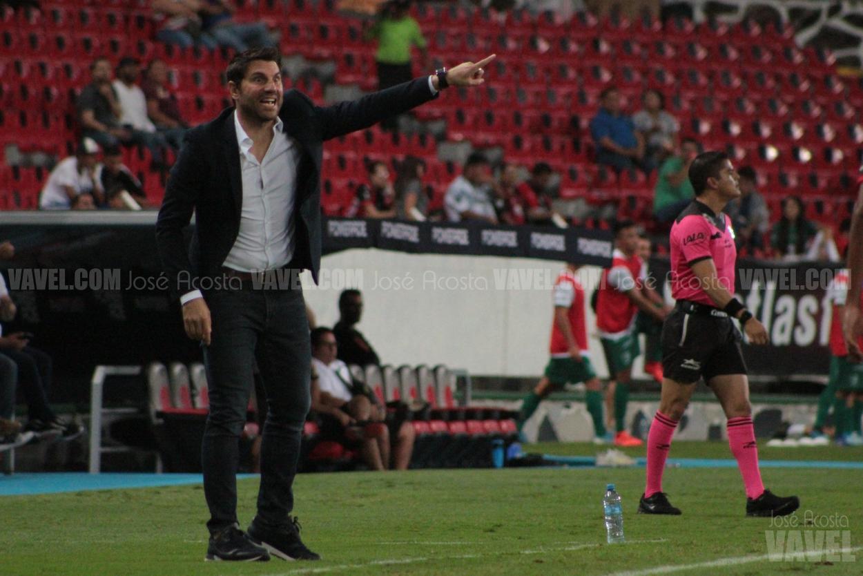 Luego de ser eliminados en penales por Toluca en los Octavos de Final de la Copa MX, Leandro Cufré fue removido del cargo de DT / Foto: José Acosta - VAVEL