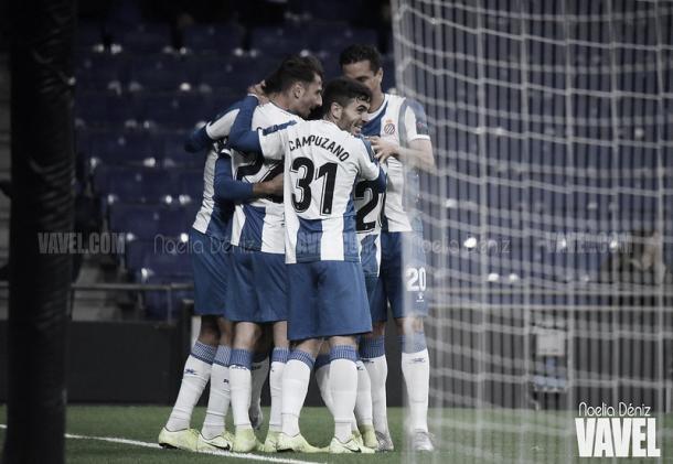 Jugadores del Espanyol celebrando un tanto. Foto: Noelia Déniz, VAVEL