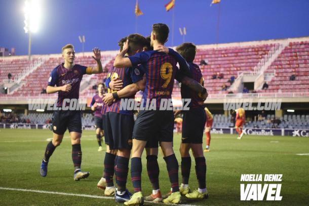 Los jugadores del Barça celebrando el 2-0 de Carles Pérez   Foto: Noelia Déniz (VAVEL)