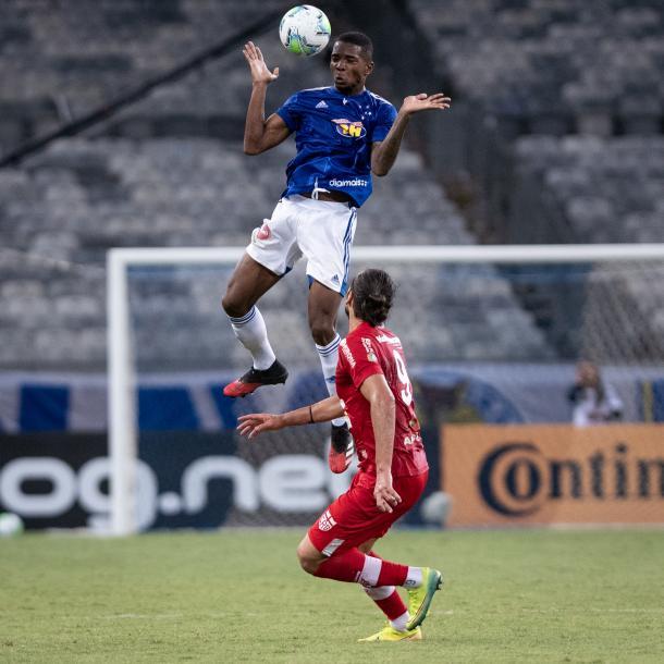 Cacá diante do CRB, pela Copa do Brasil em 2020 (Foto: Gustavo Aleixo/Cruzeiro)