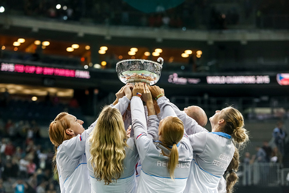 Czech Republic lifts their fourth Fed Cup title in five years after winning the 2015 final. Photo credit: Matej Divizna/Getty Images.