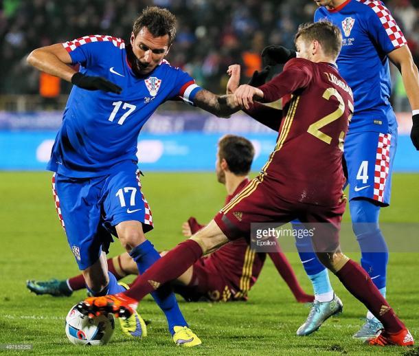 Manduzukic, autor de un gol en la victoria croata en 2015 | Foto: Getty Images