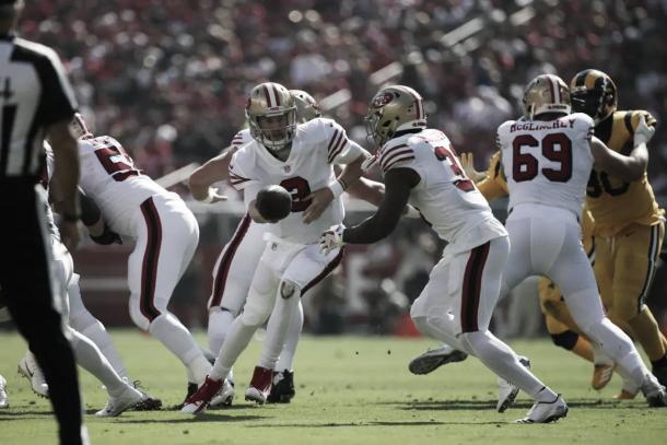 Los 49ers deberán encomendar el juego terrestre a otro RB tras volver a lesionarse Breida, a Raheem Mostert | Foto: 49ers.com