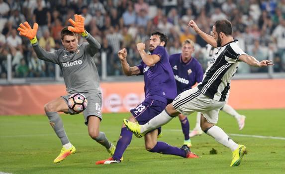 Il primo goal in bianconero di Higuaìn all'esordio contro la Fiorentina, www.gazzetta.it