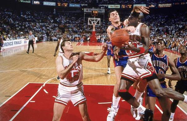 La dureza de los Pistons reflejada en una imagen | Foto: Getty Images