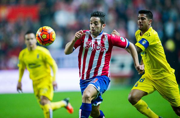 Jony foi um dos poucos destaques do Sporting, que ficou a uma posição do rebaixamento na temporada (Foto: Getty Images)