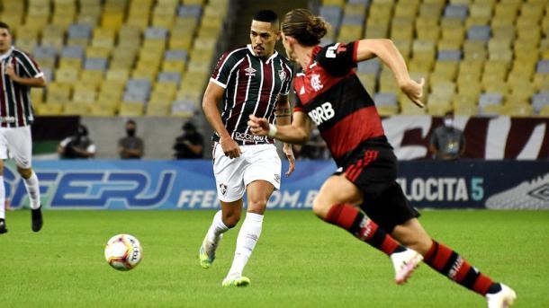 Gilberto fez nove embates com Filipe Luís na final da Taça Rio (Foto: Lucas Merçon / FFC)