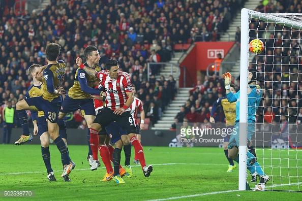 Sanchez, Giroud send Arsenal up to fifth