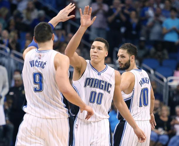 Vucevic, Gordon y Fournier son piezas clave en Orlando. | Fotografía: Getty Images