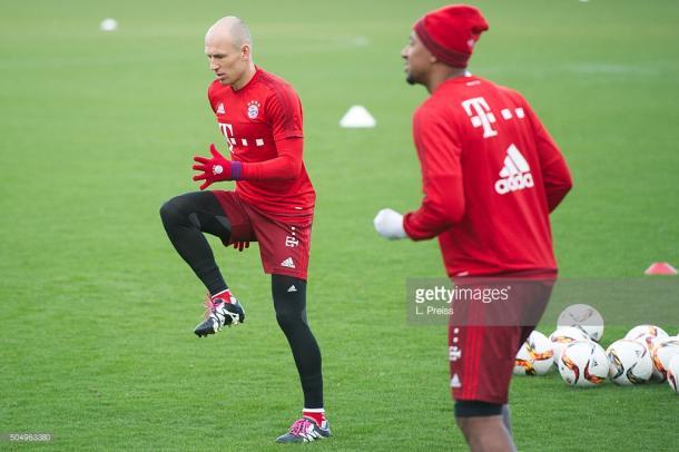 Robben e Boateng permanecem fora das contas de Guardiola