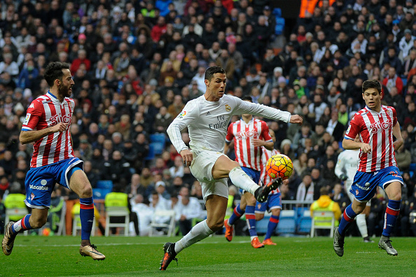Cristiano Ronaldo e o Real Madrid esbarraram na forte marcação do Sporting em casa (Foto: Getty Images)