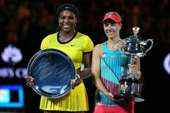 Serena Williams (L) and Angelique Kerber (R) pose for the photographers at the trophy ceremony in the Australian Open. (Photo by Scott Barbour/Getty Images)