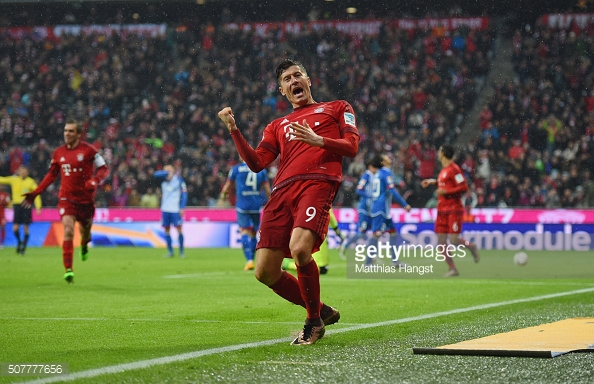 Lewandowski celebrates scoring his second goal agains Hoffenheim back in January | Photo: Matthias Hangst / Getty Images
