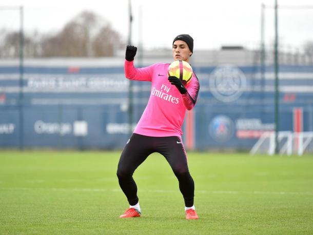 Leandro durante el entrenamiento del PSG. Foto: Twitter oficial PSG