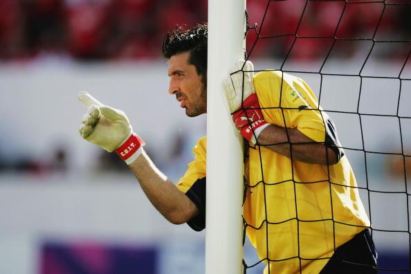Buffon durante la Eurocopa del 2004 celebrada en Portugal. // Foto: Getty Images.