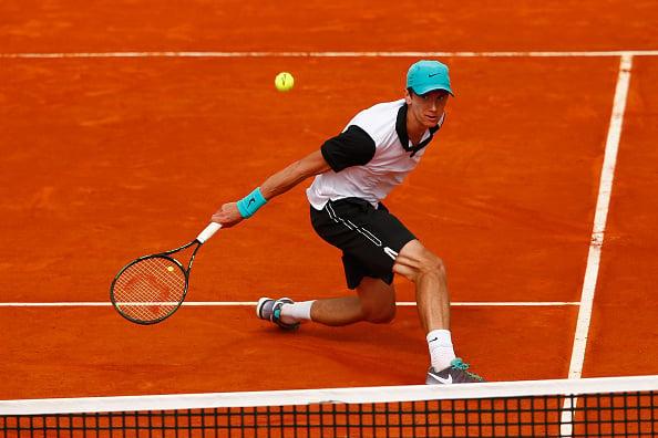 Andrey Kuznetsov hitting a dropshot (Photo:Julian Finney/Getty Images)