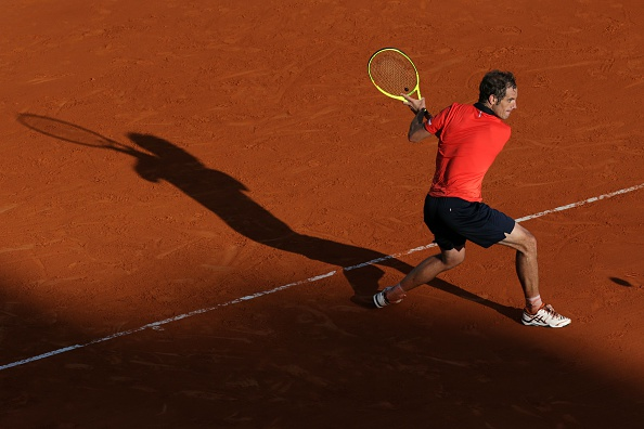 Richard Gasquet hitting a backhand in his second round match against Lucas Pouille (Photo: Jean-Christophe Magnenet/Getty Images)