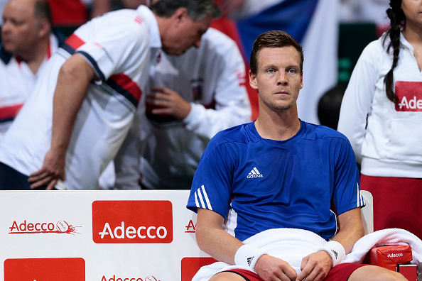 Berdych struggled with his injury | Photo courtesy of: Oliver Hardt/Getty Images
