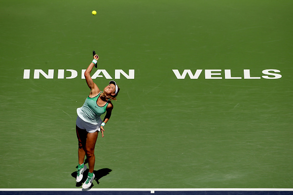 Azarenka serves during Sunday's title match (Photo: Getty Images)