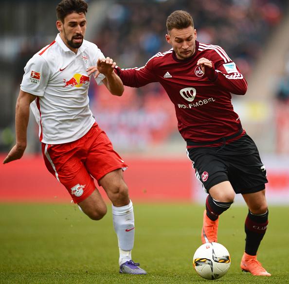 Danny Blum (r) in 2. Bundesliga action | Photo: AFP