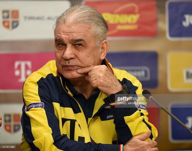 Iordanescu sabe que a Roménia pode surpreender