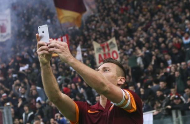 Totti e il selfie - Foto: Reuters