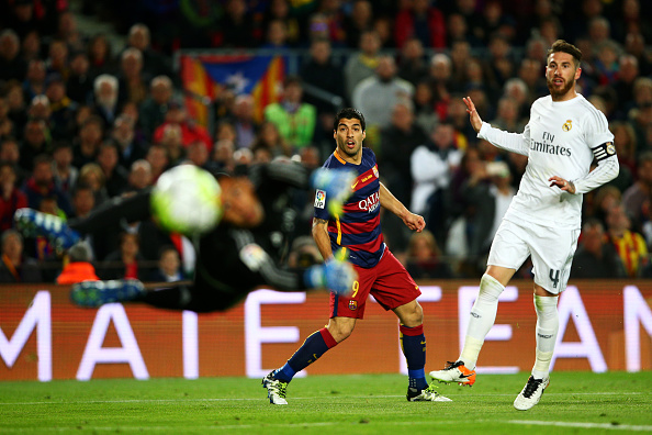 Derrota do Real Madrid para o Barcelona, no Santiago Bernabéu, por 4 a 0 (Foto: Getty Images)