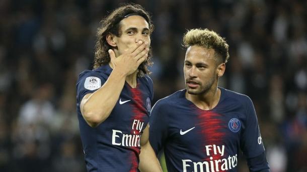 Cavani y Neymar. Foto: Sitio oficial UEFA.