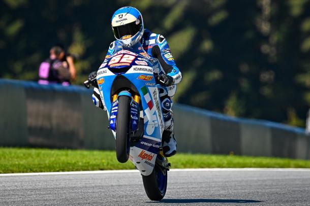 Alcoba lleva ya 30 puntos en el campeonato, en su primera temporada completa en Moto3. Imagen: MotoGP