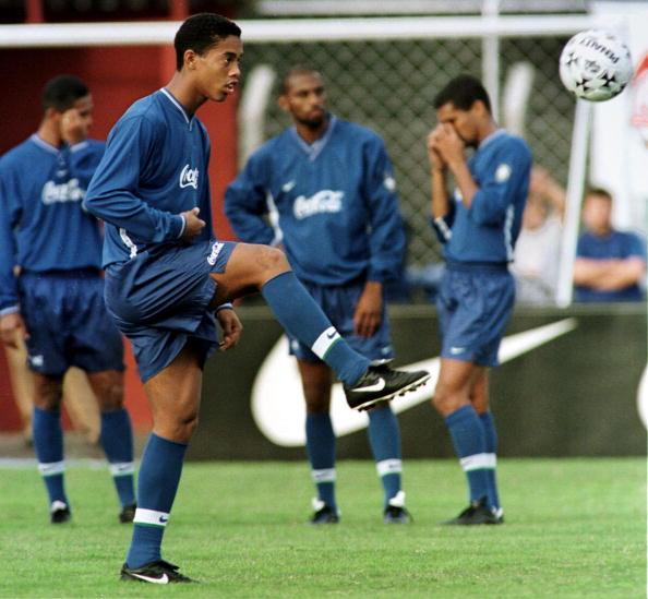 Ronaldinho Gaúcho é um dos grandes exemplo da potência do Grêmio na base (Foto: Getty Images)