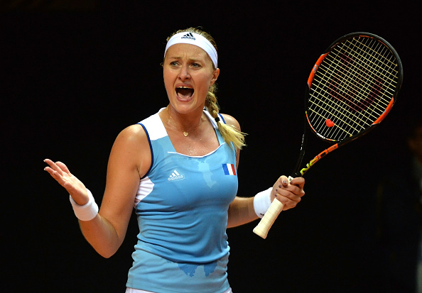 Mladenovic keeps herself in the match | Photo: Jean-Francois Monier/Getty Images