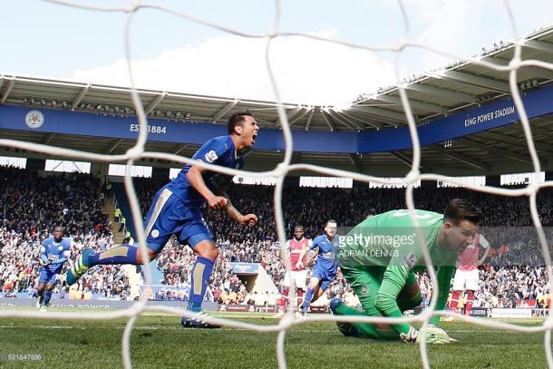 Ulloa foi o autor do segundo golo do Leicester, consolidando o empate