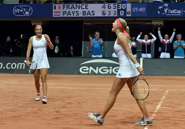 French pair take a lead in the second set | Photo: Jean-Francois Monier/Getty Images