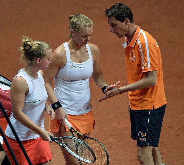 Dutch duo come back from 0-3 to win the first set | Photo: Jean-Francois Monier/Getty Images