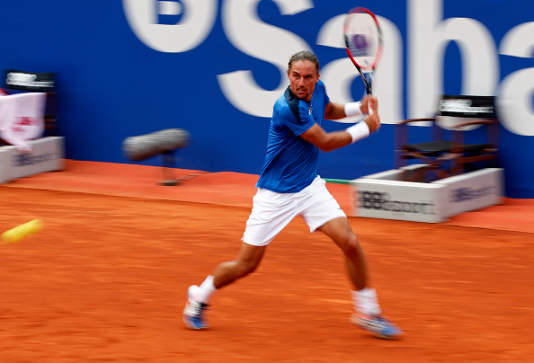 Alexandr Dolgopolov in action against Kei Nishikori at the Barcelona Open Banc Sabadell (Photo: NurPhoto/Getty Images)