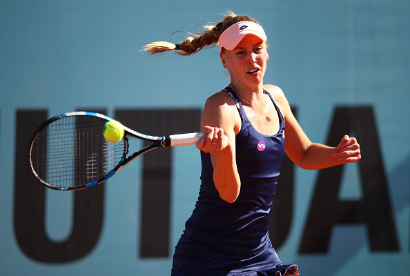 Naomi Broady hits a forehand at the Mutua Madrid Open/Getty Images