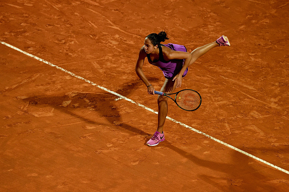 Madison Keys serves to Petra Kvitová during their second round match in Rome/Dennis Grombkowski/Getty Images