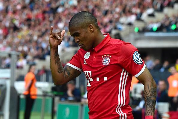 Douglas Costa, atualmente no Bayern de Munique, foi a última revelação mundial do Tricolor (Foto: Getty Images)