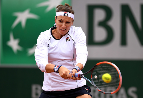 Shvedova with the early advantage | Photo: Dennis Grombkowski/Getty Images
